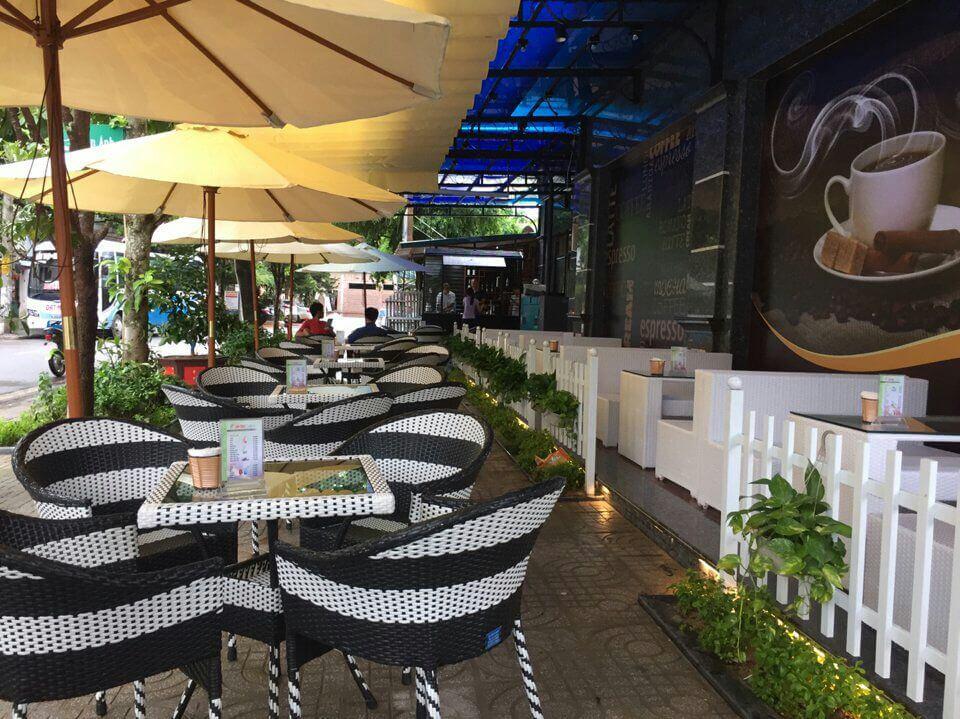 TỐP 6 Mẫu mái che quán cafe đẹp+độc+lạ,Thiết kế thi công lắp đặt mái hiên vòm,mái xếp bạt kéo che nắng mưa quán cà phê sân giá bao nhiêu tiền?