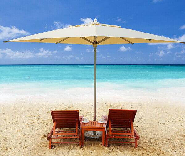 Ô dù che nắng bãi biển